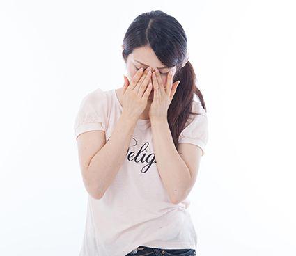 自律神経失調症で苦しむ女性